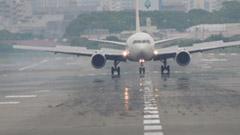 航空機内における電子機器の使用制限が緩和!9月1日から機体によって離発着時もスマホの使用OK!