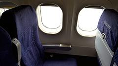 本日より航空機内での電子機器の使用制限が一部緩和、スマホやデジカメなども利用可能に