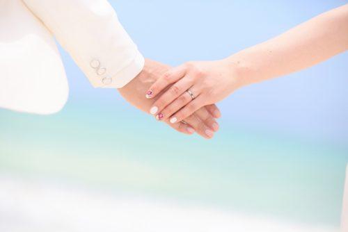 <婚活目的なら>Omiai・ゼクシィ縁結び